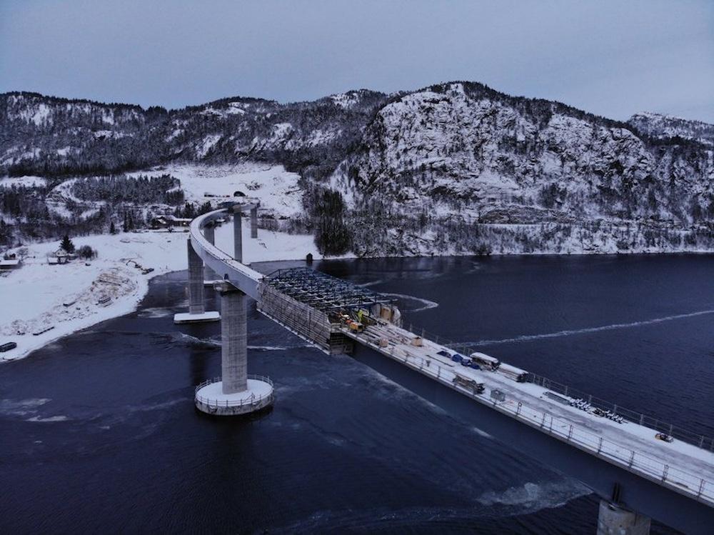 Чешская строительная компания Metrostav заканчивает работу над мостом и двумя тоннелями в Норвегии