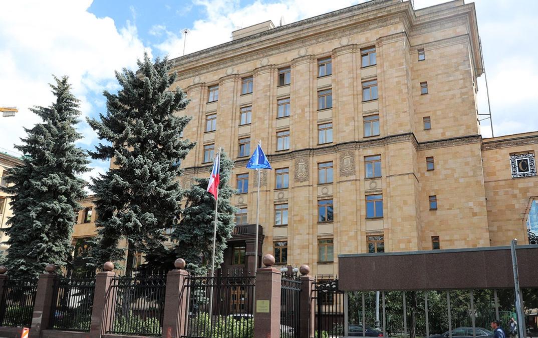 Посольства Чехии в разных странах возобновляют выдачу виз