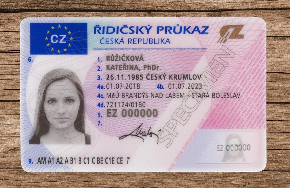 C 1 июня 2021 года водительские права в Чехии можно обменять онлайн